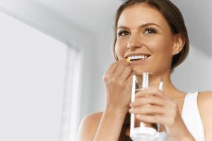 do vitamins help keep your teeth healthy